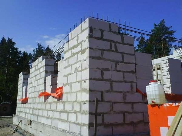 Поэтапное строительство дома из пеноблоков своими руками фото