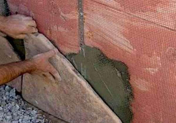 Декоративный камень укладка  на жидкие гвозди 167